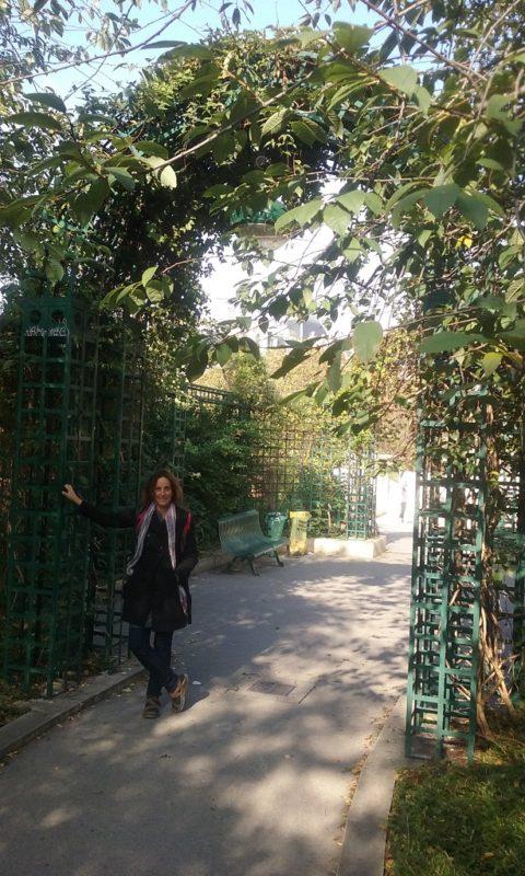 Taking a Walk in Eastern Paris