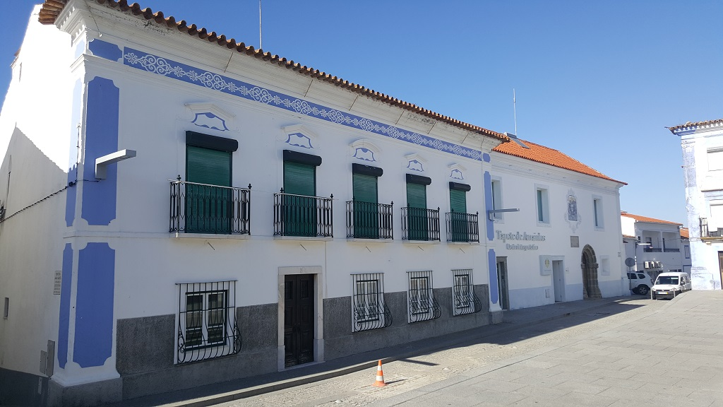 Instead of Tile Facades Like Lisbon the Buildings All Sported the Whitewashed with Blue Trim Exteriors