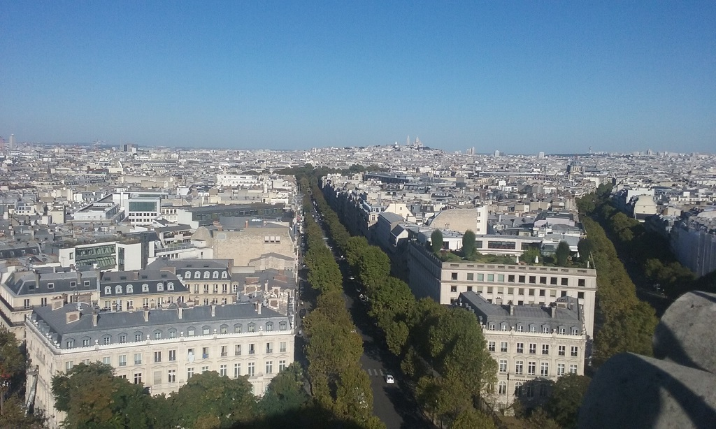 Sacre Coeur Is in the Background