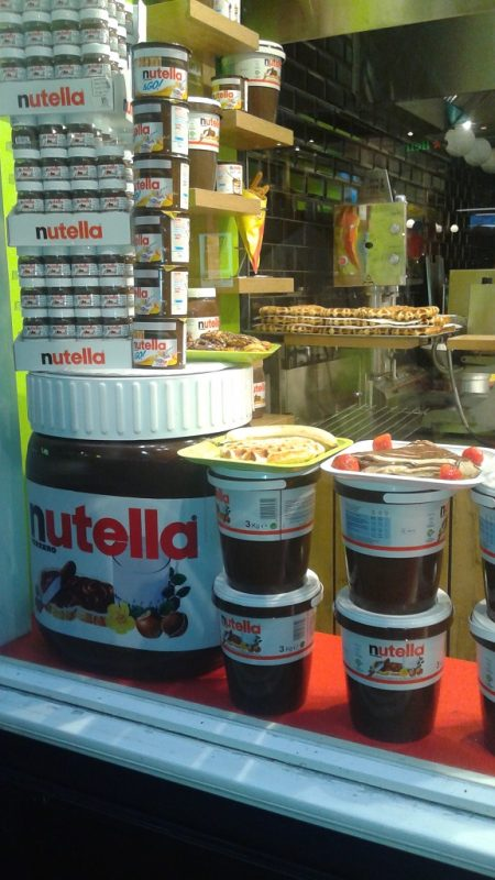 Fromageries in Paris Replaced by Nutella Cafes in Amsterdam